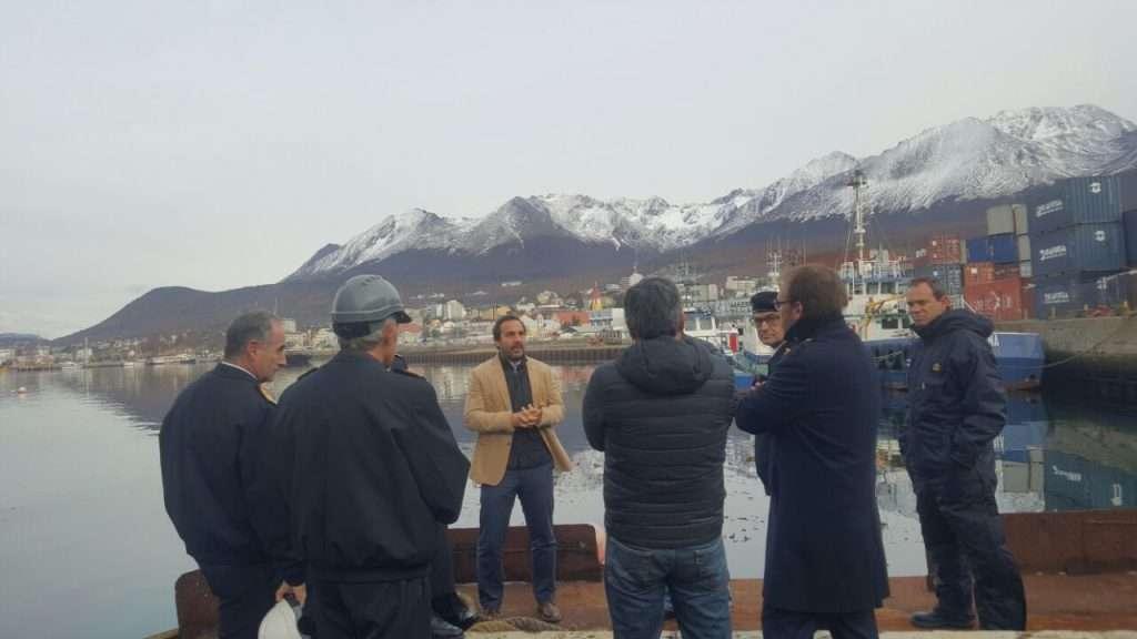Reuniones de trabajo en el puerto con autoridades nacionales gobierno de tierra del fuego - Trabajo en el puerto ...